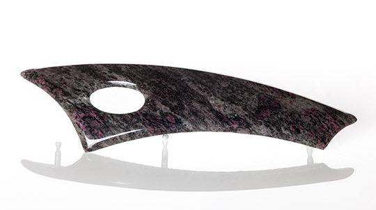 Amadeus Steinfurnier laminiert auf einem Automobil-Zierteil, Steinoberfläche lackiert