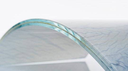 Dünnstein Azul Macaubas - gebogen zwischen Glas - SEEN AG