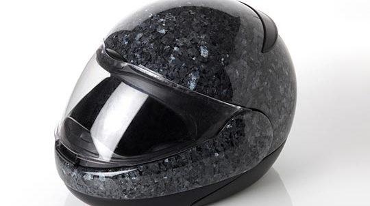 Labrador Blue Pearl Steinfurnier laminiert auf einer Helmform - SEEN AG