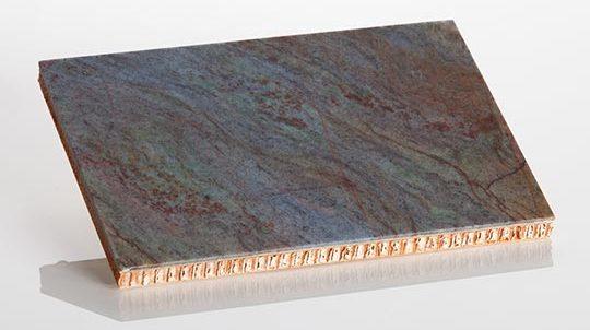 Louise Blue Steinfurnier, laminiert auf einer Nomex® Papierwabe, Steinoberfläche poliert