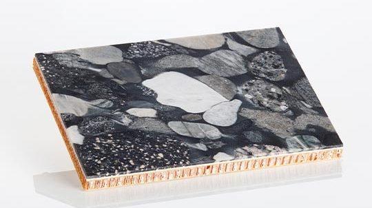 Nero Marinace Steinfurnier, laminiert auf einer Nomex® Papierwabe, Steinoberfläche poliert