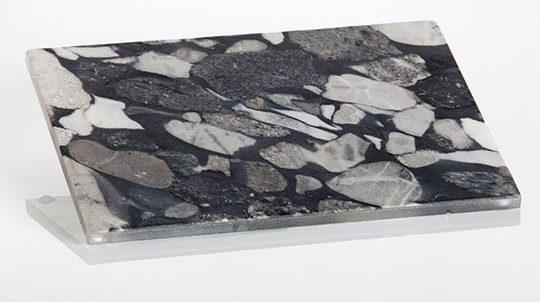 Stein-Glas Laminat mit 1,0mm Nero Marinace Steinfurnier laminiert auf Glas, Steinoberfläche gebürstet