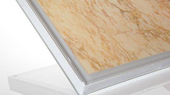 Stein-Glas Laminat mit 1,5mm Golden Macaubas Steinfurnier laminiert auf Glas zum SZR, Steinoberfläche poliert