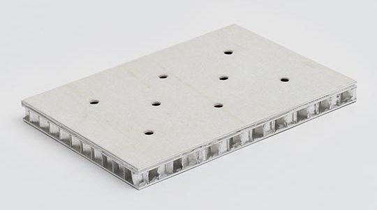 Steinfurnier auf Aluminiumwabe mit zwischenliegender Spiegelfolie